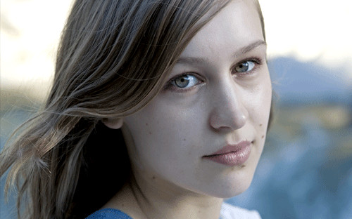 Stream a new Joanna Newsom song, performed at her recent gig with Phillip Glass