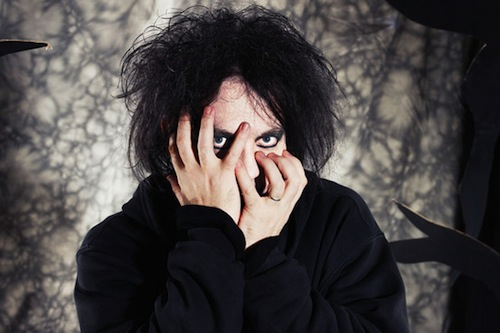 The Cure's Robert Smith plays rare solo set