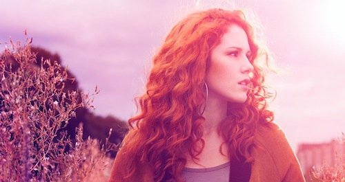 Watch Katy B perform a new song based on Mosca's 'Bax'