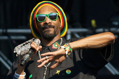 Benjamin Zephaniah urges Snoop Dogg / Lion to go back to hip-hop.