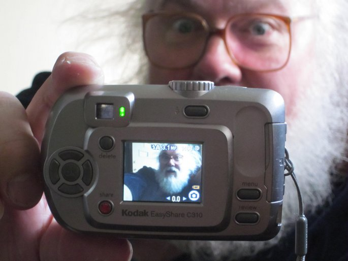 Watch a riveting full-length documentary about alt.pop legend R Stevie Moore