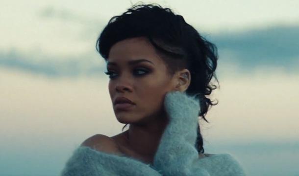 Watch the video for Ri... Rihanna Diamonds