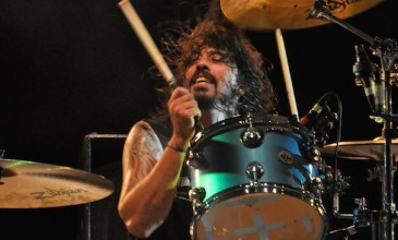 Dave Grohl resumes drumming duties for Queens of the Stone Age; new album due out by June 2013