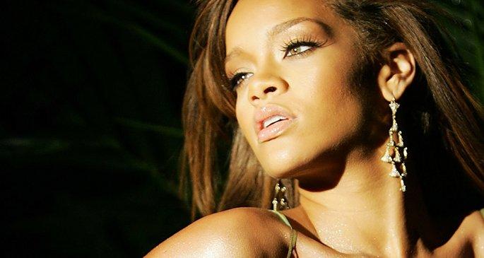 Rihanna Loud New Album - Home Facebook