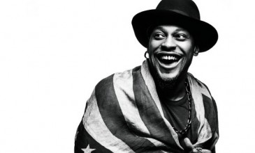 Watch footage of D&#8217;angelo and ?uestlove&#8217;s surprise Brooklyn gig