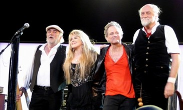 Fleetwood Mac announce new EP; watch them perform new song &#8216;Sad Angel&#8217;