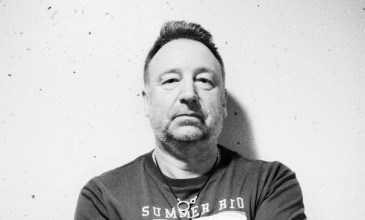 Peter Hook gives the twos up to New Order with new live album
