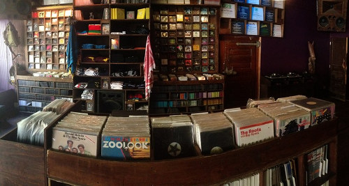 New york vinyl hotspot dope jams reopens check pictures for Classic house grooves dope jams nyc