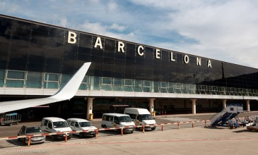 Flights to Barcelona's Sonar Festival hit by European air strikes