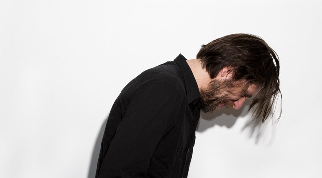 Fennesz collaborates with Autre Ne Veut on crushing new track 'Alive'
