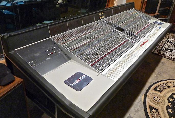 Dr Dre S Death Row Era Mixing Console For Sale Fact