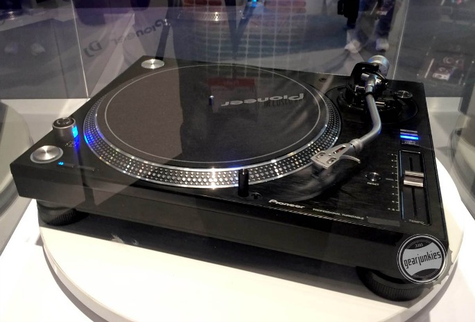 Pioneer unveils back-to-basics PLX-1000 turntable