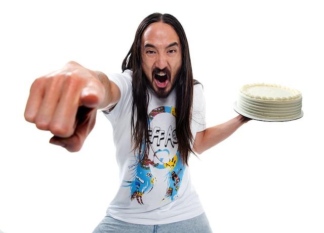Steve Aoki calls throwing cake a