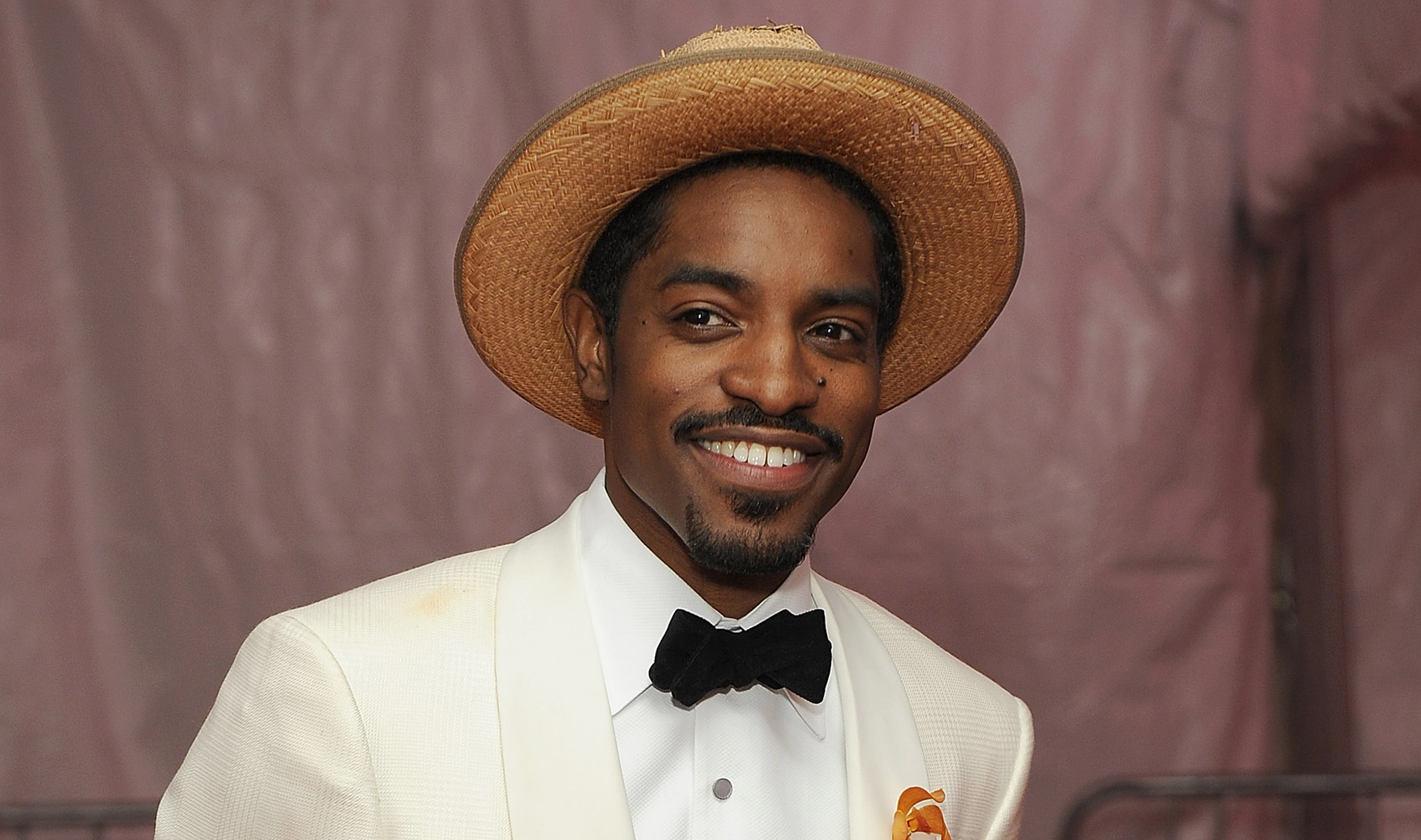 André 3000 earned a unknown million dollar salary, leaving the net worth at 45 million in 2017