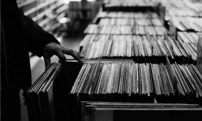 UK vinyl album sales in 2014 have already exceeded 2013's total
