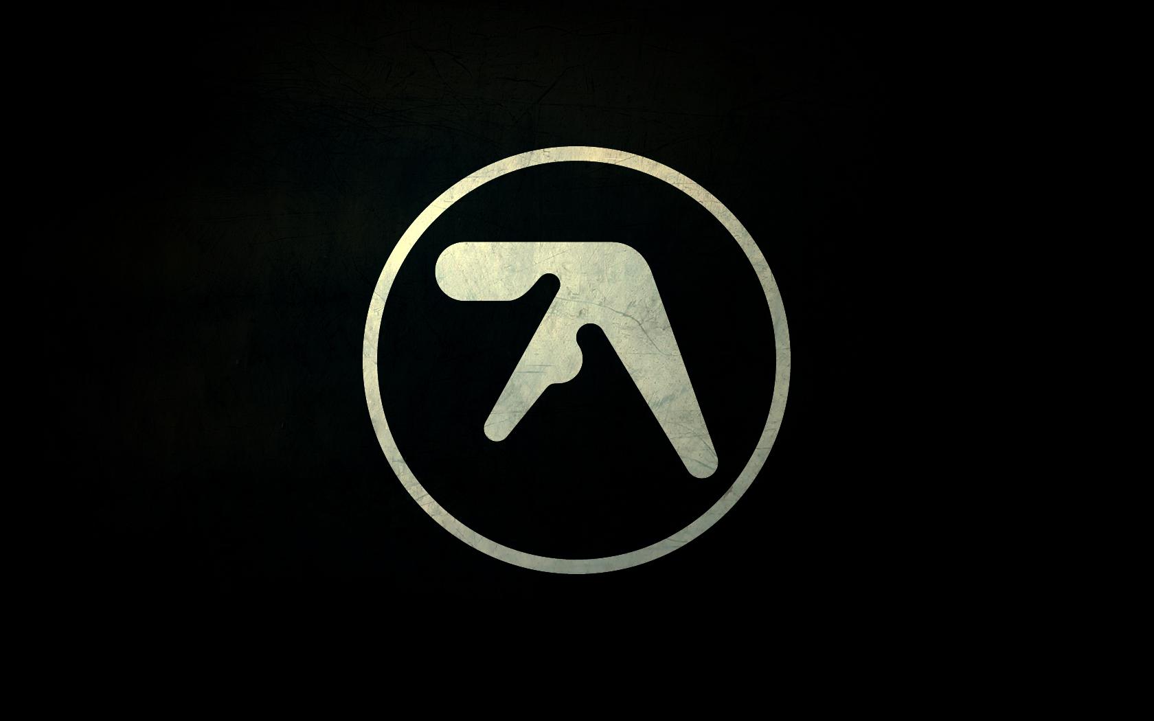 Aphex Twin announces Computer Controlled Acoustic Instruments pt2 EP