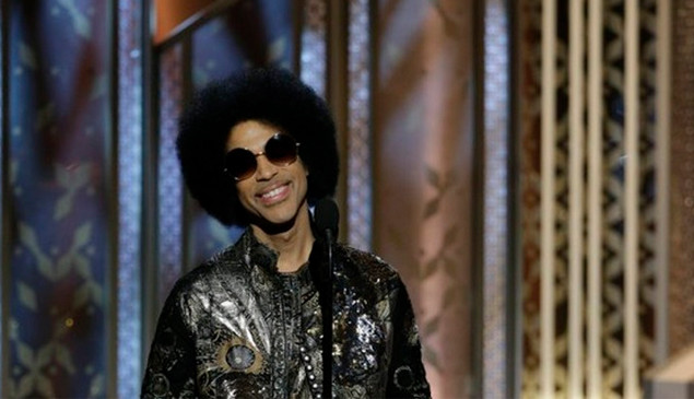 Watch Prince make a surprise appearance at the Golden Globe Awards