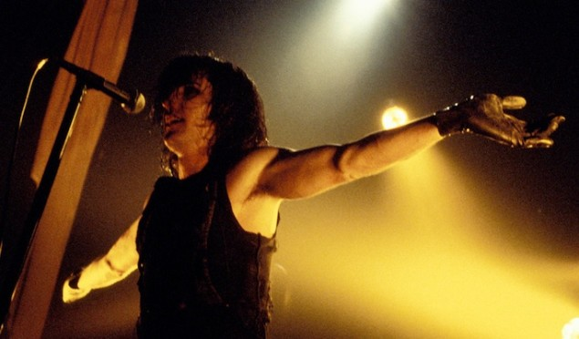 Watch Nine Inch Nails' Self Destruct tour documentary, featuring a performance of 'Hurt' with David Bowie