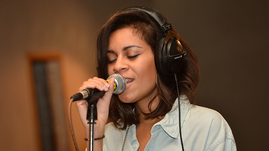 Hear AlunaGeorge's handclap-heavy cover of Frank Ocean's 'Thinkin Bout You'