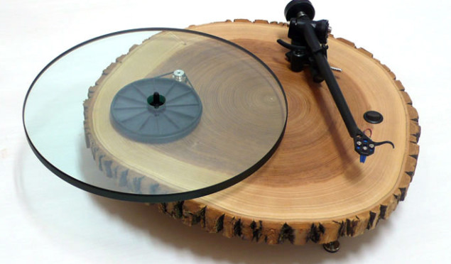 Wooden turntable manufacturer's Kickstarter campaign hit by copyright claim