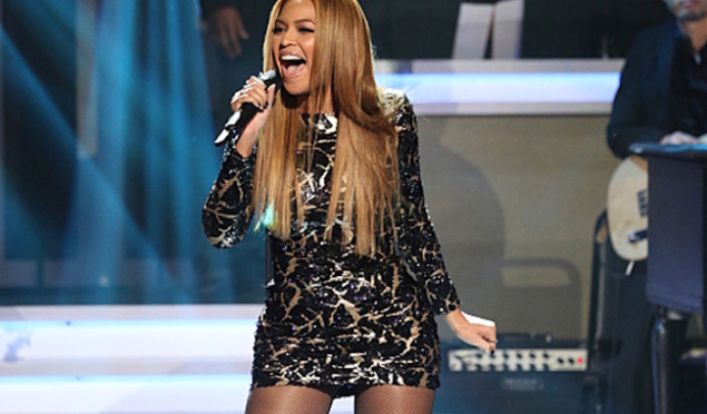 Watch Beyoncé perform a medley of Stevie Wonder classics