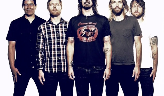 Foo Fighters to headline Glastonbury 2015