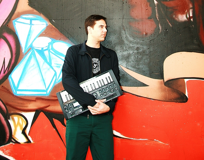 """I have no desire to wrap my head around Ableton."" FACT meets analogue house deviant Moon B"