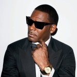 They believe they can fly: airplane passengers break into R. Kelly during tarmac delay