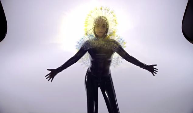 Exploding heads, heartbroken ballerinas and turntablist clinics: the week's best videos