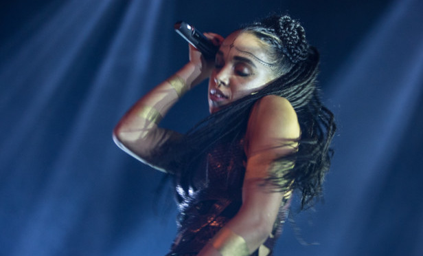 FKA twigs reportedly engaged to Robert Pattinson