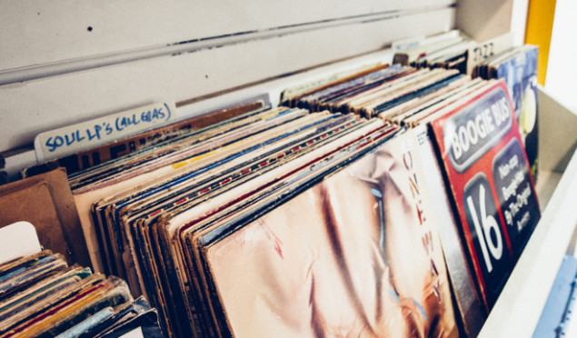 Manage your Discogs account on the move with this Android app