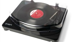 Check out this Bluetooth turntable that lets you play vinyl wirelessly