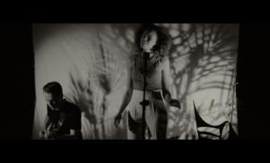 JONES – 'Indulge' (Live Session)