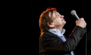 The Fall's Mark E. Smith pissed his pants and kept performing at Glastonbury