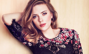Scarlett Johansson, Este Haim form girl group The Singles, share debut single 'Candy'