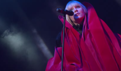 Watch Róisín Murphy perform 'House Of Glass' and 'Simulation'