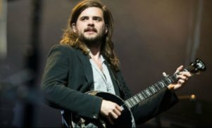 Mumford and Sons' banjoist is making techno as Tech No Notice