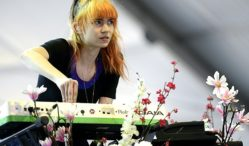 "Grimes talks new album, says it includes ""a lot of diss tracks"""