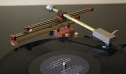 Amateur inventor develops tonearm to tackle vinyl distortion