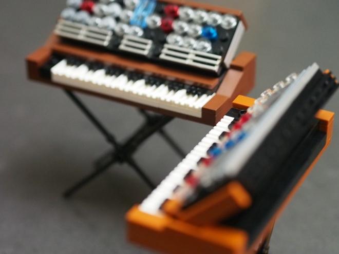 minimoog-lego-2