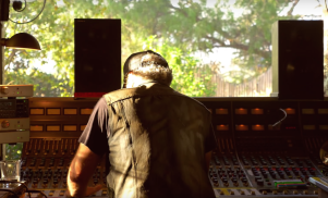 FACT visits legendary producer Daniel Lanois at home for an intimate performance