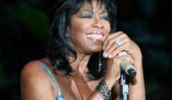 R&B singer Natalie Cole, daughter of Nat King Cole, dies at 65