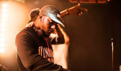 Download DJ Q's bleepy bassline freebie '99′