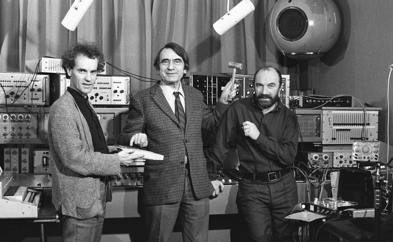 François Bayle, Pierre Schaeffer, Bernard Parmegiani at GRM in Paris, 1972