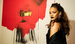 Rihanna to perform at Grammys, shares previews of 'Work' video