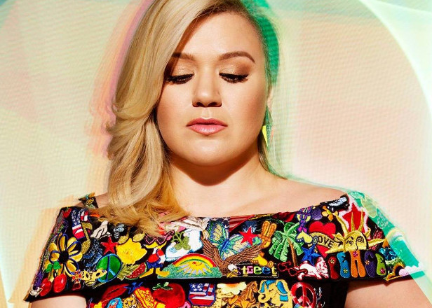 "Kelly Clarkson was ""blackmailed"" into working with Dr. Luke"