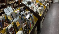 A Chicago record store is giving away all its books and records