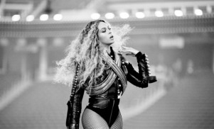 Beyoncé covers Prince's 'The Beautiful Ones' in Dallas