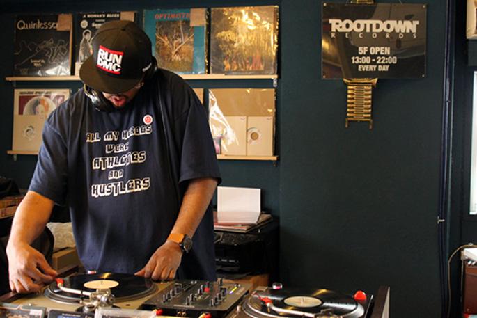 """Detroit house guru Andrés announces super-limited 12"""" single"""