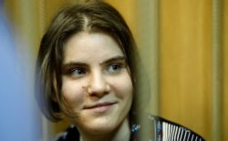 Pussy Riot member Yekaterina Samutsevich is freed on appeal